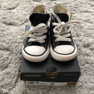 Converse Chuck Taylors high top size 5 toddler